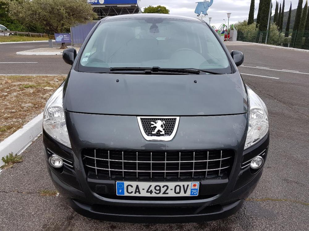voiture diesel peugeot 3008 d 39 occasion draguignan moins de 141000 km euros. Black Bedroom Furniture Sets. Home Design Ideas