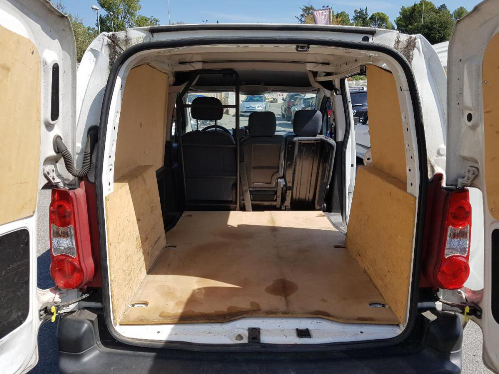 voiture diesel peugeot partner d 39 occasion draguignan moins de 56000 km euros. Black Bedroom Furniture Sets. Home Design Ideas