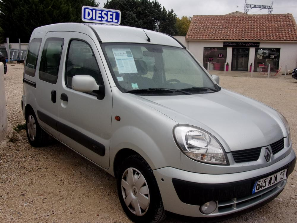 voiture diesel renault kangoo d 39 occasion bouc bel air moins de 118000 km 3500 euros. Black Bedroom Furniture Sets. Home Design Ideas