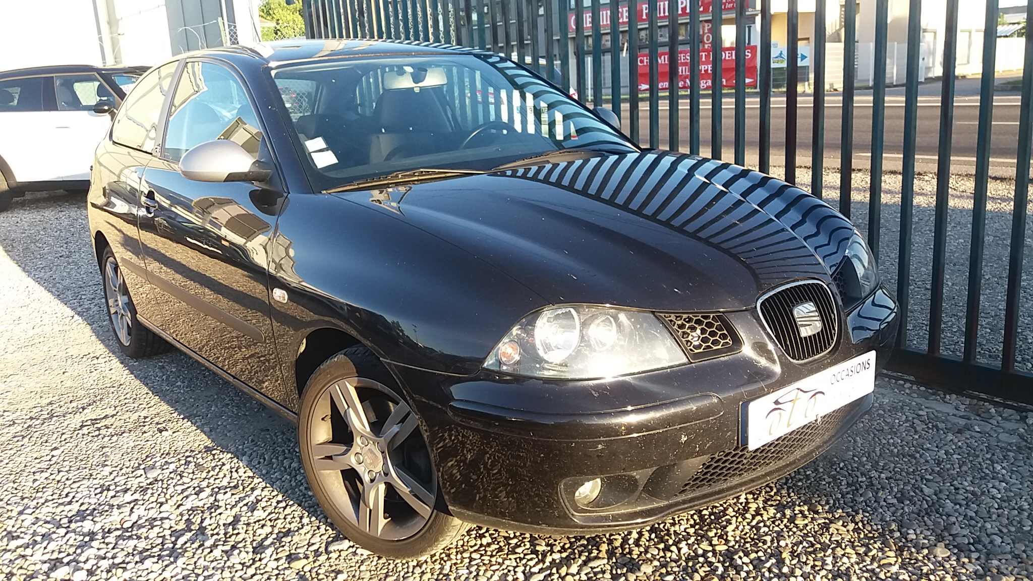 voiture seat ibiza 1 9 tdi 130 fr occasion diesel 2005 167826 km 5290 saint priest. Black Bedroom Furniture Sets. Home Design Ideas