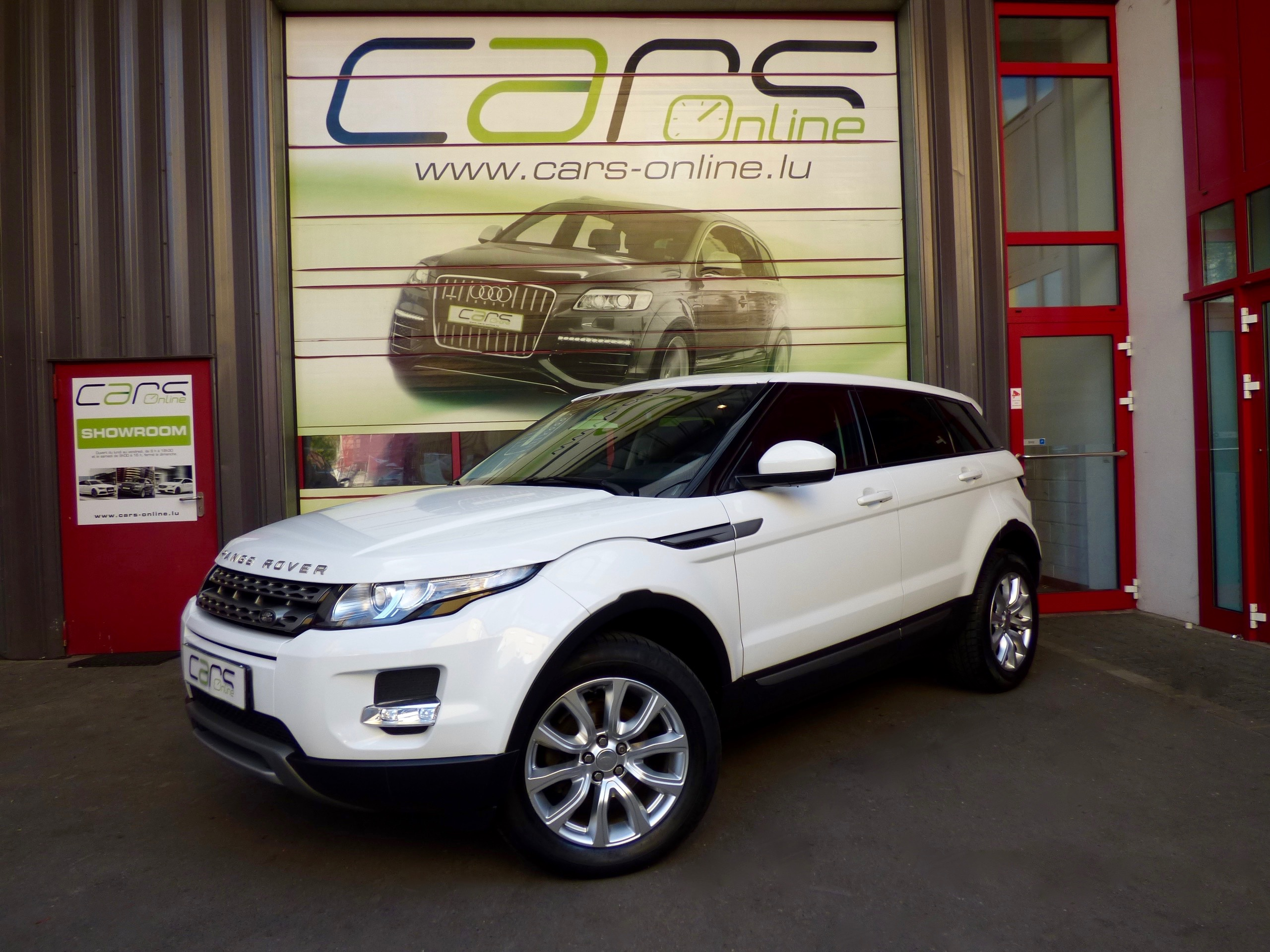 voiture land rover range rover evoque td4 prestige 4x4 m6 occasion diesel 2014 96500 km. Black Bedroom Furniture Sets. Home Design Ideas