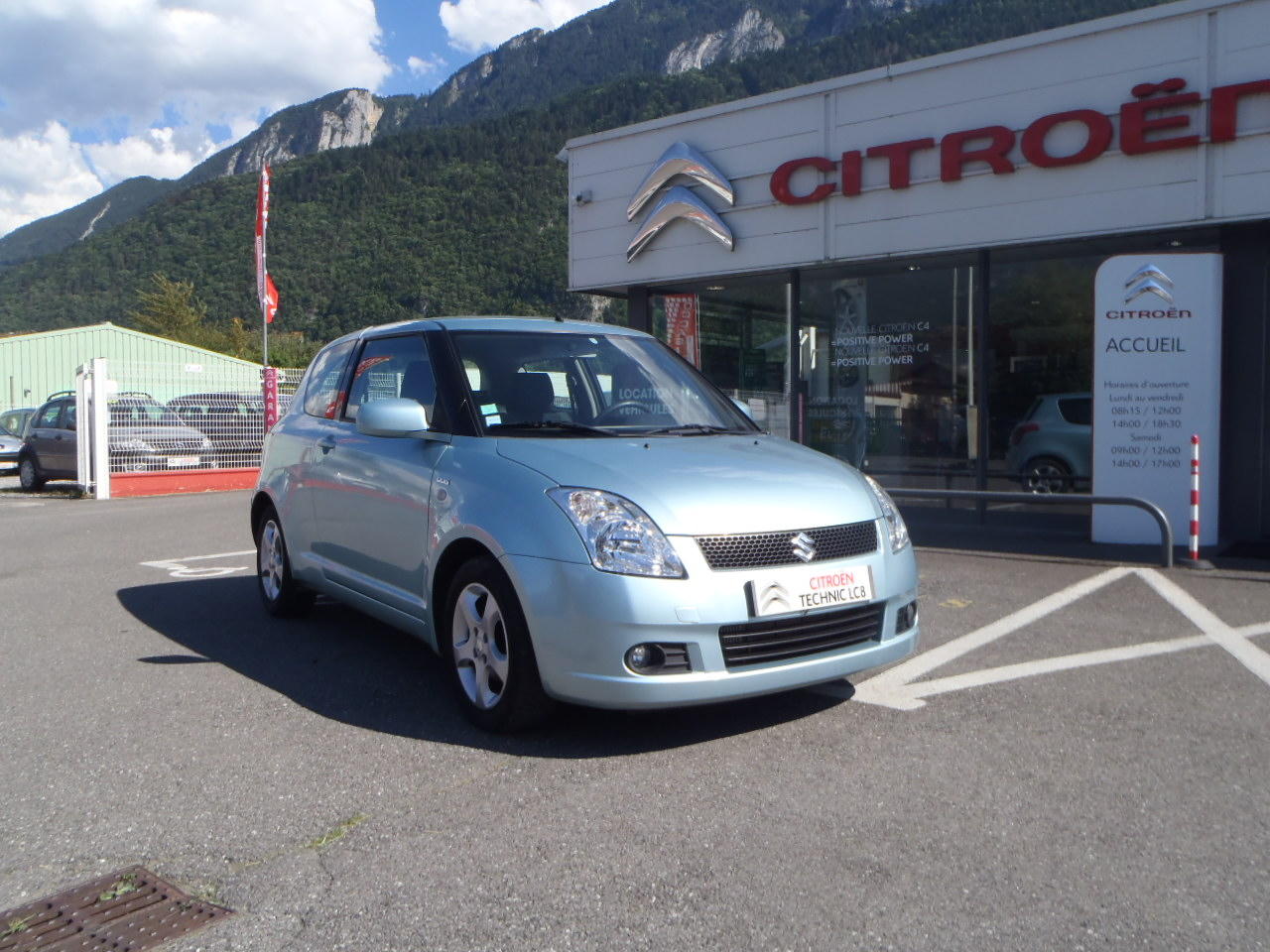 voiture suzuki swift 1 3 ddis gl occasion diesel 2006 113700 km 4500 bonneville. Black Bedroom Furniture Sets. Home Design Ideas