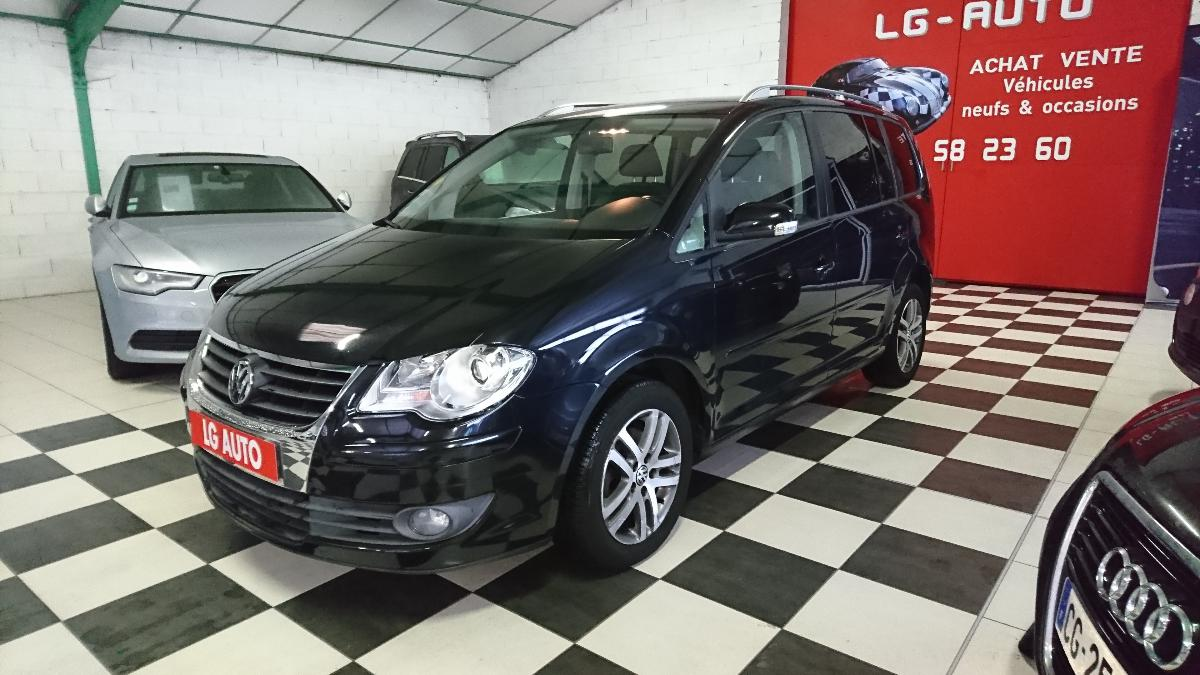 voiture volkswagen touran tdi 140cv 7 places 86000 kms. Black Bedroom Furniture Sets. Home Design Ideas